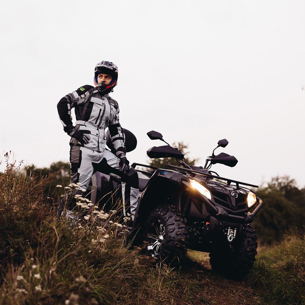 2f72f8cbf290 Kúpil som si motocykel. Aké oblečenie by som si mal vybrať ...