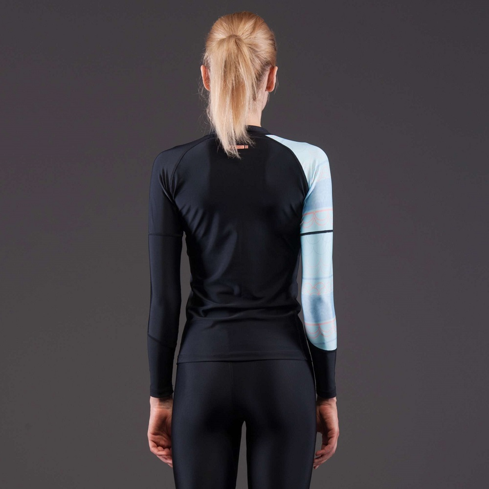 Dámské tričko pro vodní sporty Aqua Marina Illusion - černá. Elastický  materiál ... 4afb609f06