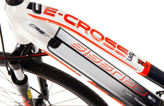 Prekės ID: 16257 Are you looking for a bike for a sporty ride and longer trips on moderate terrain?Then look no further! TheWomen's Cross E-Bike Crussis e-Cross...